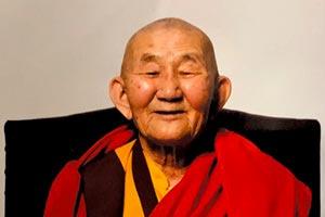 2 ноября 2020 года в возрасте 95 лет ушел из этой жизни наш Учитель Гэлэг-Балбар лама